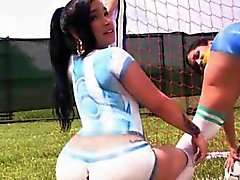Latinas assed Huge peinture short