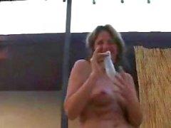 Fiesta de libertino maduros a la piscina con calor orales y golpearse la