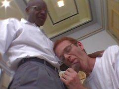 Homosexuell Stud liebt schwarzen Schwanz