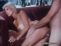 two scenes blondie and brunette