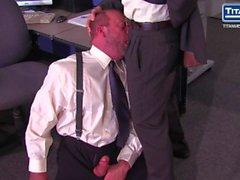 Chefen Adams Rysk Kräver avsugning från Anställningstyp