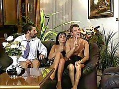 Sexo em grupo , em Budapeste