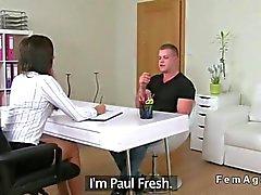 Muscled amateur guy fucks a female agent
