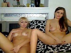 Две лесбиянки детка киска дрочит на камеру
