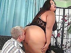 Fette Latina BBW Lorelai Givemore Wide Ladung Geschlecht