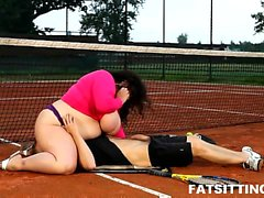 SBBW Viktorie facesitting her tennis teacher outdoors