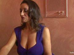PERFECTMILF-COM - Große Titten Cougar Persia Monir