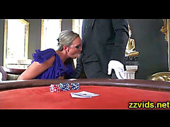 Rykande ' blonda Abbey bäckar borrats Cassino tableHD ポ ル ノ 動画