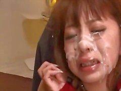 Азии Девочка в наручниках и Mouthgagged Маленькая грудь Rubbed киска выебанная с игрушками, Guys Каммингом на ее лицо в комнате