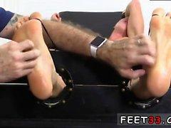 Romantik emme gay seks filmi Tickl Cristian Tickled