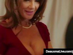 Horny Cougar Babe Deauxma baise le gars de service de chambre dans l'hôtel!