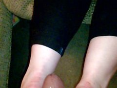 Footjob from Snowbunny