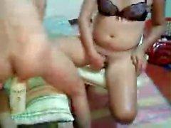 Asiatici Le lesbiche scambio flacone e leccare le micio Parte 1 di 3