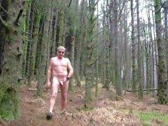Лесного зачистки от ходить голый
