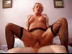 British Mature Housewife Fucking Well
