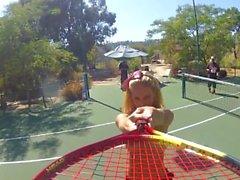 Дэни Дениелс Topless Tennis Fun - сцен 1.