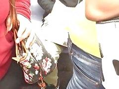 Tren 2 sarı gömlekli Braless İspanyol kadın