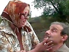 Пожилая пара веселиться характер
