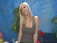 MyVidsRocK4LiFe en MassageGirl Britney Beth aka Bibi Jones
