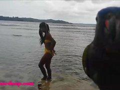plajda Amatör Tiny Tay Genç Heather Derin gün deepthroat Throa verir
