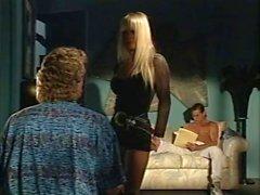 Alexandra Quinn Carolyn Monroe Savannah no clipe pornô clássico