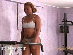 Curvy ebony mommy London gets into shape