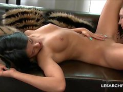 Nataly and Coco Love Licking Their Holes