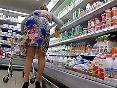Stockings upskirt in the supermarket