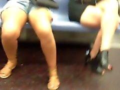 NYC subway voyeur 2 hot babes