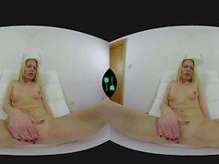 CzechVR - Beautiful girl pleasing herself in virtual reality