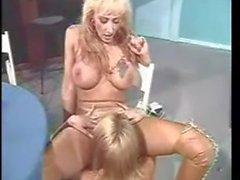 Pornoluver,s classic Lesbian 4some