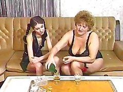Mogna granny lesbiska