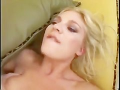 Aurora Snow loves getting har assfucked.