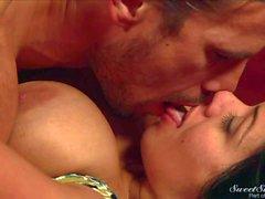 Manuel seduces hot milf Sienna