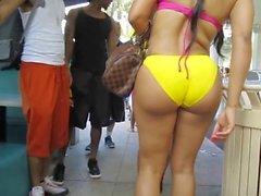 Big Butt Candids, Big Booty Candids - 75 Sexy Girls