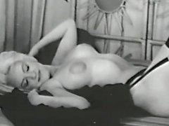 Soft Desnudos quinientos cuarenta a 50 y los años 60 - escena 2 de