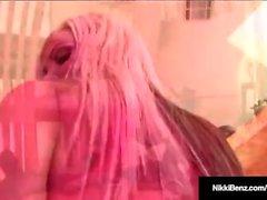 Penthousen Nikki Benz ottaa valtava kalu Hänen Hot Pussy!