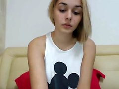 teen nicollcherry fingering herself on live webcam