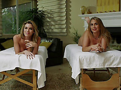Alanah Rae e Kayla Paige Sucks Schlong E accoppia Al massa magra Three-Some