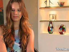TEENGONZO schöne Titten Jillian Janson mit weißen Schwanz gefüllt