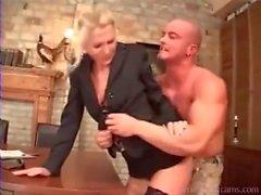 Guy allemand baise son nouveau patron