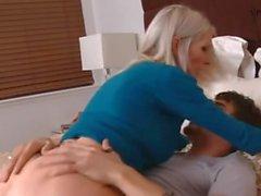 блондинка преподавателем Эмме Старра трахать ее студент