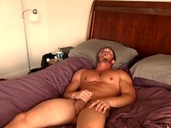 Brandon Cody första JackOff Video On Porn Hub