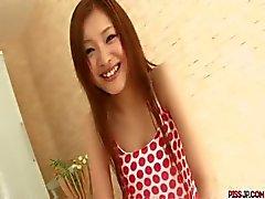 Suzuka Ishikawa horoz zıplatma ile süper seksi klip