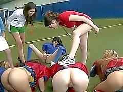 Amateur Mädchen nackt Fussball und Lecken