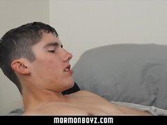Mormonboyz - Straight Stud verwendet ein Homosexuelles Jungenloch