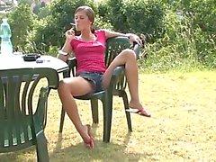 Kleines Launen Raucher im Garten