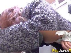Adolescentes asiáticas Kinky urinam em GotPorn (7053338)