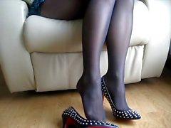 Shoe play in high heels