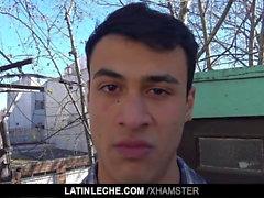 LatinLeche - Zwei Latinos ficken sich gegenseitig für Bargeld